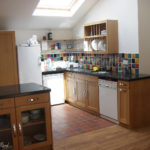 kitchen in oak with granite worktop gc_