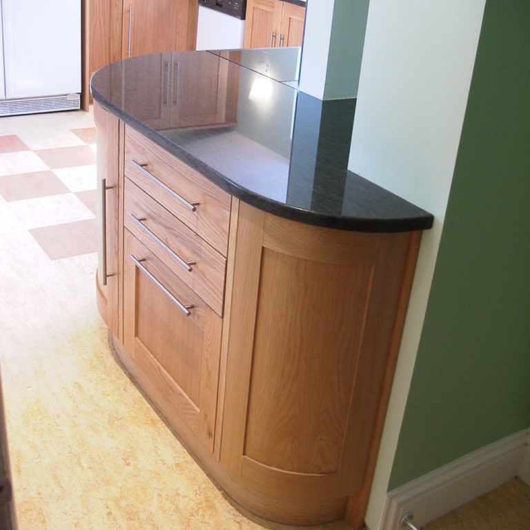 kitchen curved units with granit tops